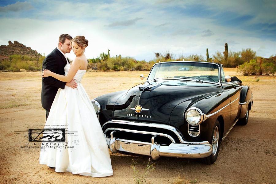 desert wedding vintage car phoenix wedding photographer